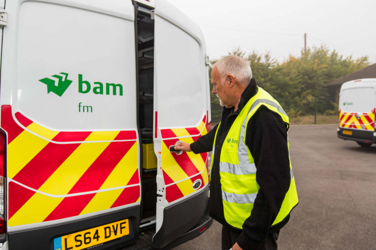 BAM FM delivers school lunches on wheels in Bristol