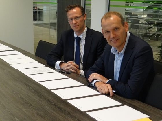 Chris Williams, Investment Director of BAM PPP  (left), and Han Claessens, Senior Investment Manager of PGGM Investments.