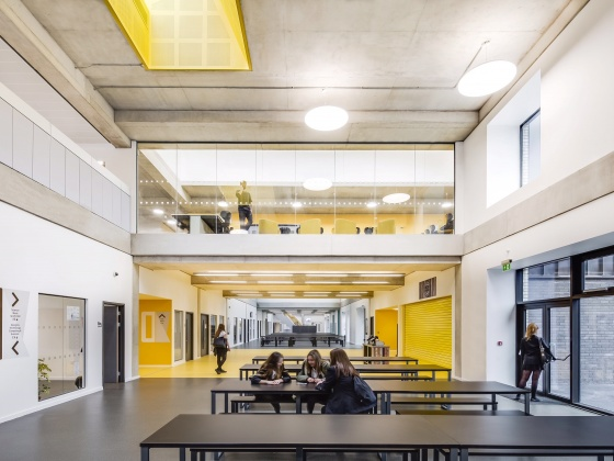 Over 2,000 people work on brand new £34 million school in Surrey. Hundven Clements Photography.