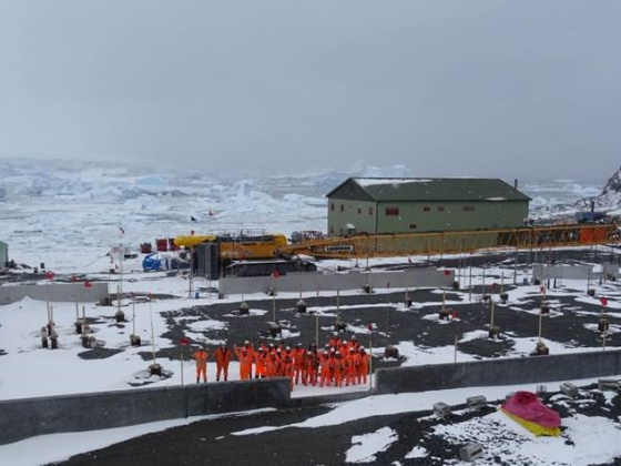 Antarctic science hub takes shape amid complex construction season