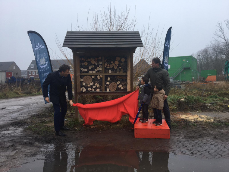 Onthulling insectenhotel
